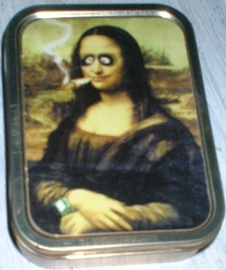 Latinha onde guardei os baseadinhos que fumei aqui na Holanda, logo que cheguei. Josane Mary